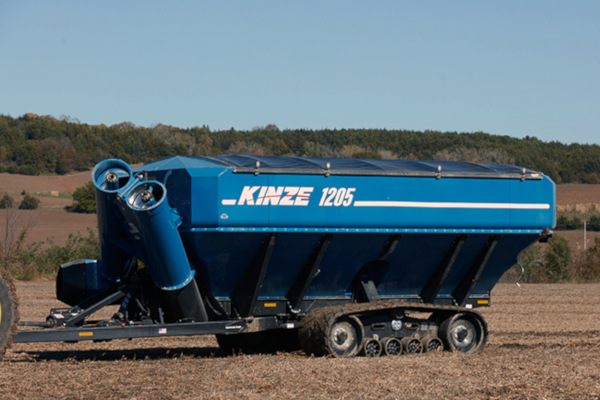 Kinze-GrainCart-1205-2019.jpg