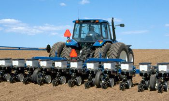 CroppedImage350210-kinze-Mounted-Planter-series.jpg