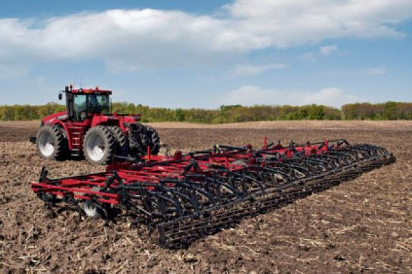 CroppedImage600400-CaseIH-Tiger-Mate-200-field-cult.jpg